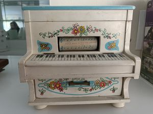 Vintage Musical Jewelry Box for Sale in Cypress, CA