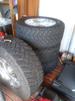 Nitto tires w/ chrome rims for Sale in Auburn, WA