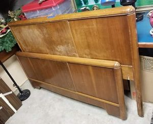 Antique Head and foot board fit a full size bed. Head board is 41 1/2 in tall and foot is a little over half that. Both on wheels for Sale in Portland, OR