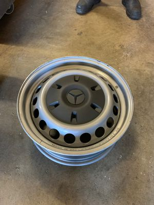 Set of 4 brand new wheels off a 2020 sprinter van comes with lug it's and caps all new for Sale in Fresno, CA