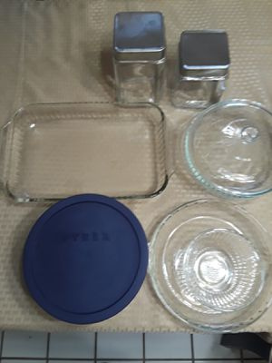 PYREX GLASSWARE SET. PLUS TWO CANISTERS for Sale in Houston, TX