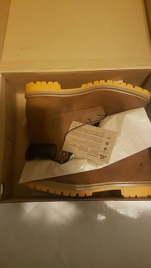 Brand new Irish setter work boots 10.5 with boot cleaner kit for Sale in Miami, FL