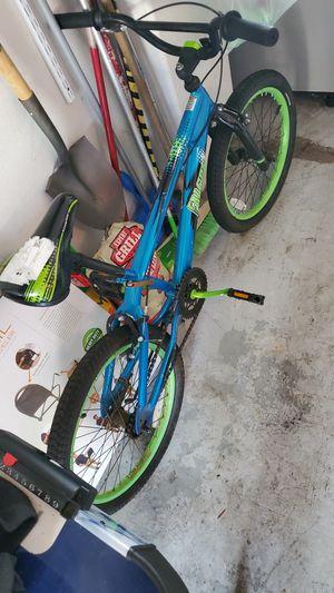 """Schwinn falcon 20"""" boys bike for Sale in Fairview, OR"""