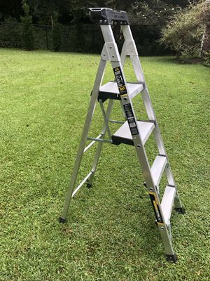 Gorilla Ladders 5.5 ft. Heavy Duty Aluminum PRO Hybrid Ladder with 300 lb. Load Capacity Type IA Duty Rating for Sale in Sandy Springs, GA