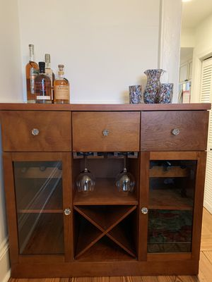 Dark wood bar- great condition for Sale in Atlanta, GA