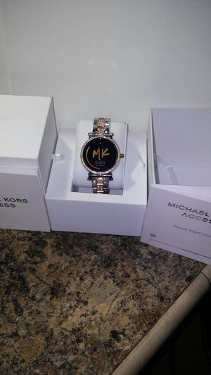 Michael Kors Android touch screen watch. Rose gold and looks brand new for Sale in Bastrop, LA