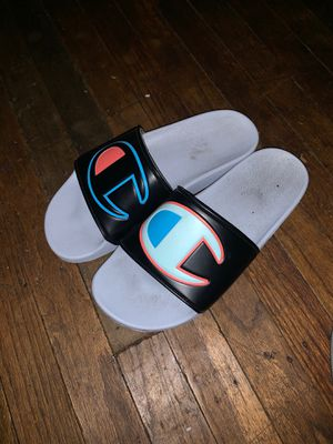 champion slippers size 8:5 for Sale in Alameda, CA