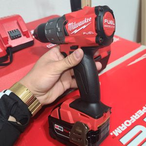 Milwaukee Hammer Drill Fuel 1/2 for Sale in San Antonio, TX
