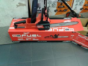 "Milwaukee 16""chainsaw fuel kit for Sale in Redlands, CA"