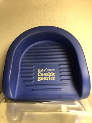Cooshie booster seat for Sale in Lombard, IL