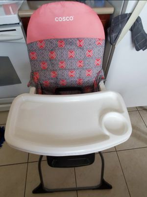 Cosco High Chair for Sale in Lehigh Acres, FL