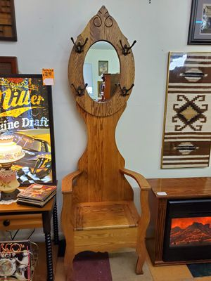 Oak Hall Tree With Mirror and Storage Bench for Sale in Bechtelsville, PA