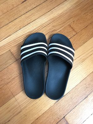 Adidas sandals size 8 womens for Sale in St. Louis, MO