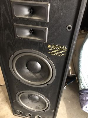 Digital pro audio tower speakers for Sale in Maple Valley, WA