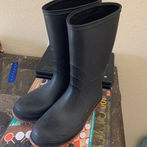 Raining Boots for Sale in Garden Grove, CA