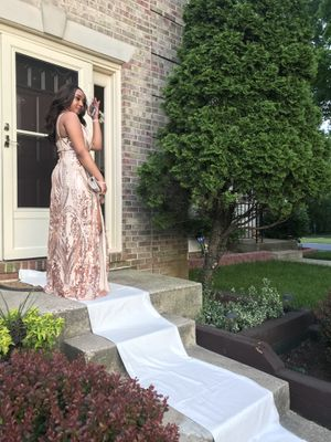 Windsor Prom Dress (Sz- MEDIUM) for Sale in Germantown, MD