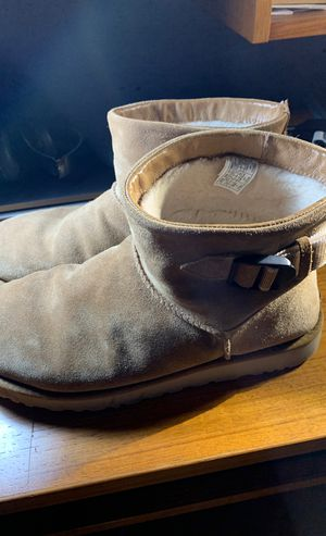 Men's ugg boots size 11 for Sale in Saugus, MA