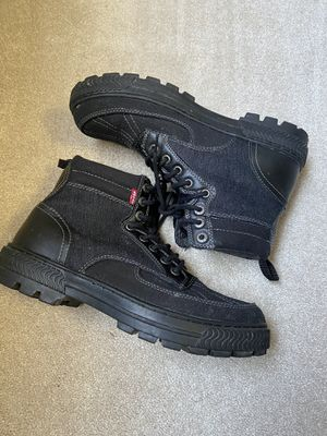 Men's Levi's rubber soled black work boots size 9 like new for Sale in Pittsburgh, PA