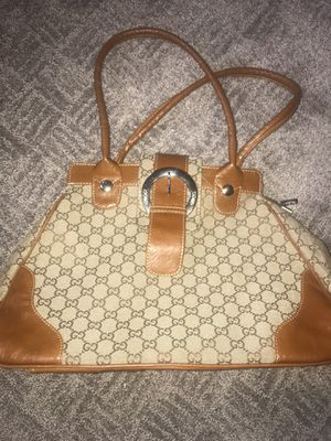 Gucci Leather Purse for Sale in Davenport, IA