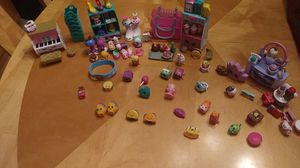 Shopkins lot plus free shopkins umbrella for Sale in Port St. Lucie, FL