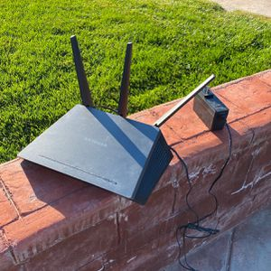 Netgear Nighthawk AC1900 Smart WiFi Router for Sale in CA, US