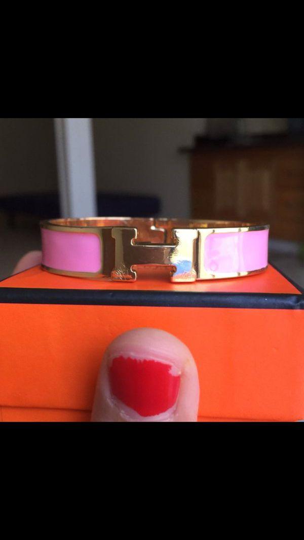 H click clac bracelet without box