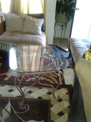 Una mesita de vidrio for Sale in Bellflower, CA