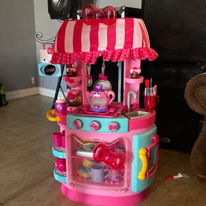 Hello kitty Kitchen for Sale in Phoenix, AZ