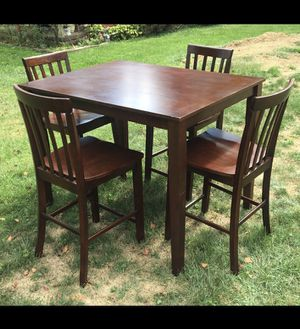 Kitchen table and chairs for Sale in Gibsonia, PA