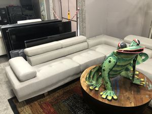 Tan sectional for Sale in Fort Myers, FL
