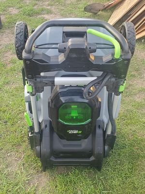 RYOBI SELF PROPELLED cordless electric LAWN MOWER for Sale in Chico, CA