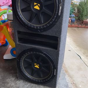 12 Inch Double Speaker Box for Sale in Dallas, TX