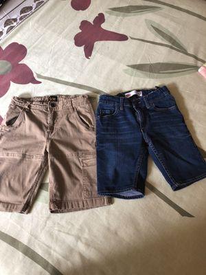 Shorts para niño size 8.. Levis y lee. Buenas condiciones for Sale in Addison, IL