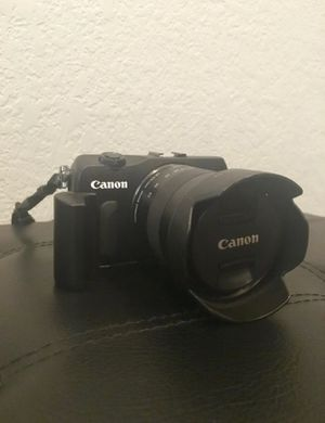 Canon EOS M for Sale in Hayward, CA