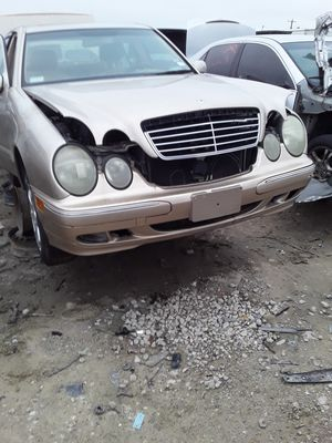 2002 Mercedes Benz E320 for parts for Sale in Houston, TX