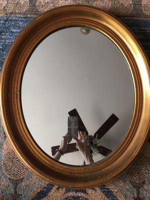 Oval framed mirror for Sale in Argyle, TX