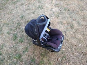 Like new baby car seat for Sale in Troy, NY
