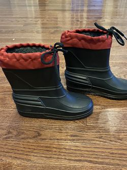 Snow Boots Size 2 for Sale in Chantilly,  VA