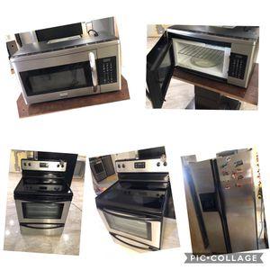 Frigidaire kitchen set for Sale in Miami Gardens, FL