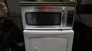 Maytag over range microwave with screws and bracket for Sale in Kissimmee, FL