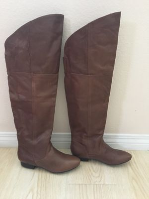 NEW CHINESE LAUNDRY OVER THE KNEE LEATHER BOOTS, SIZE 9.5, color henna for Sale in Rancho Cucamonga, CA