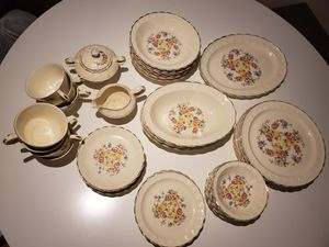 Vintage China TAYLOR SMITH for Sale in Maple Valley, WA