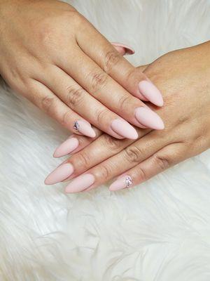 Manicure pedicure acrylicas esmaltado en gel for Sale in Arlington, VA