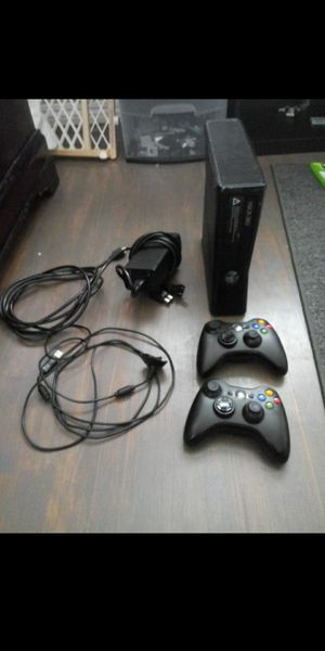 Xbox 360 bundle for Sale in San Bernardino, CA