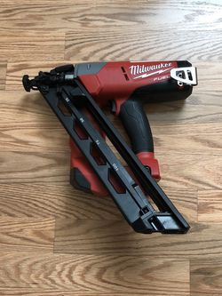 Milwaukee M18 FUEL 18-Volt Lithium-Ion Brushless Cordless 15-Gauge Angled Finish Nailer (Tool Only) for Sale in Happy Valley,  OR