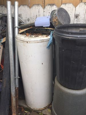 Old Water heater for parts. for Sale in Fresno, CA