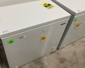 Thomson ❄️ Chest Freezer ❄️ TFRF710 b sm 4X for Sale in Torrance, CA