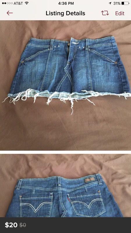 Levi's short skirt never worn