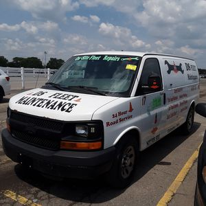 Chevy Express van v6 for Sale in Columbus, OH