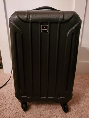 Tag Carry-on Hardside Luggage Spinner Suitcase Black for Sale in Dacula, GA